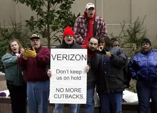 10月初的时候,美国最大运营商Verizon挥刀44000名永远员工,并且有传言称将把超过2500名IT员工迁移至印度Infosys公司,行为其7亿美元外包相符同的一片面。