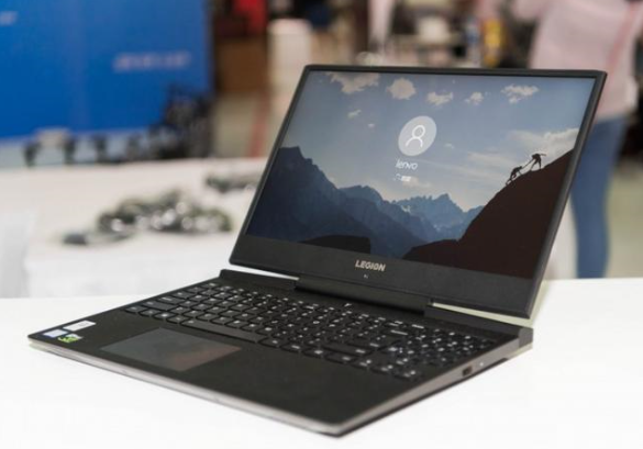 作为全球PC市场第一,联想历年来都会在CES上发布ThinkPadX1系列新品,2018年CES上联想ThinkPadX1 Carbon、ThinkPadX1 Tablet 13等联想ThinkPad X1 Family 获得了全员展示,以超强性能和出众外观获得媒体和用户的一直好评。随着5G技术落地,今年联想是否会率先在ThinkPad X1系列新品应用5G技术,推出领先时代的新品呢?