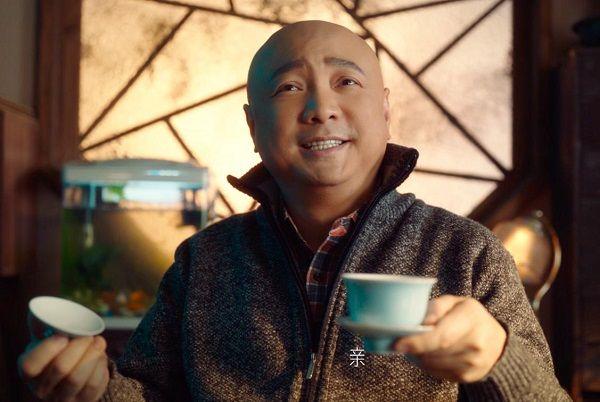 但是,只演外星人不露脸怎么行?今日,一直闷声作大事的山争大哥,又传出将有另一部疯狂系列新片《疯狂的老板》上映的消息。