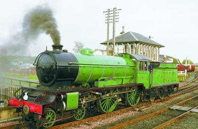 蒸汽原理是谁发明的_蒸汽火车是谁发明的