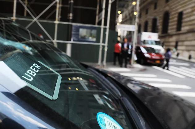 新浪科技讯 北京时间2月18日上午消息,据美国科技媒体The Verge报道,Uber上周五提起诉讼,希望推翻纽约市针对上路运营的网约车驾驶员人数做出的限制。