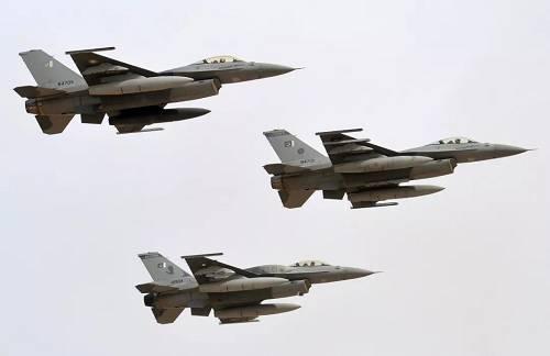 巴基斯坦空军F-16战机编队