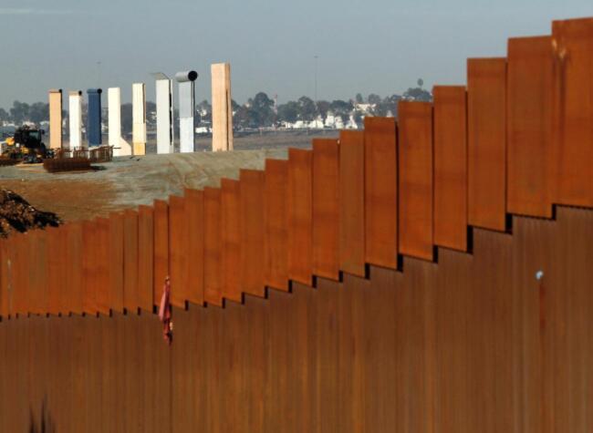 特朗普預算案要求增加軍費和邊境墻撥款并調整社保計劃