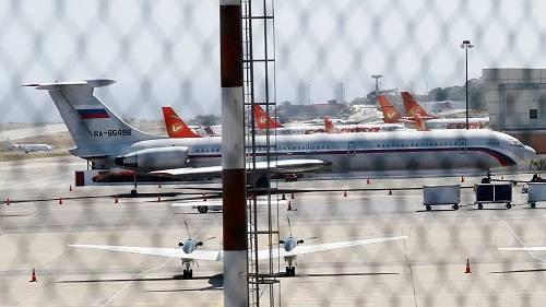 此外,据路透社报道,俄军两架飞机已飞抵委内瑞拉首都。
