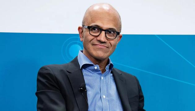 在纳德拉的领导下,微软已经从Azure云平台等新业务中实现了惊人的增长。纳德拉还向大家表明,他在解决内部员工动荡局面的同时坚持其原则。