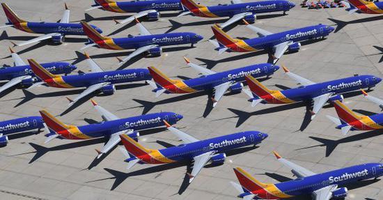 """波音在印尼空难前将737 MAX安全警示灯预设为""""关闭"""""""