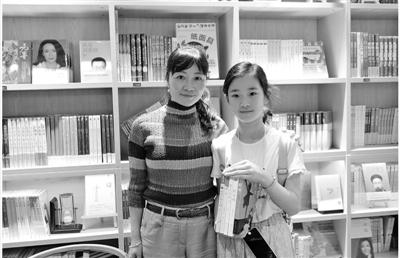 宁波校园的书香让她流连忘返