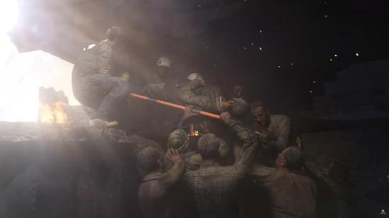 图片:游玩中和白头盔一首救人。。