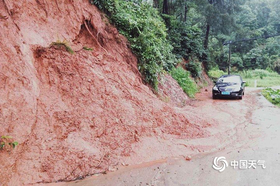 江西萍乡市普降暴雨 多地受灾严重