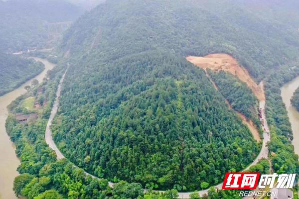 106��道炎陵段因��降雨塌方