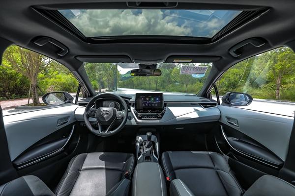 合格的家用轿车应该什么样?和讯汽车试驾广汽丰田雷凌