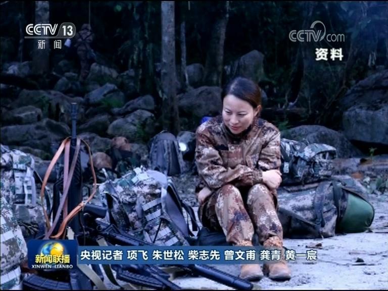 2011年,周泉泉跟同事一起创办直播谈话节目《夜线》,策划了《热血边关》系列节目。她把第一季拍摄地选择在海拔5200米的中国尼泊尔边界界桩。第二季她带队来到了不通公路的墨脱。行进队伍遇到山体塌方时,周泉泉就走在队伍的最前方。每次行进,周泉泉总是习惯在前面探路,她会把最危险的那个位置留给自己。