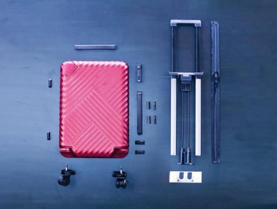 行李箱内部结构图展示