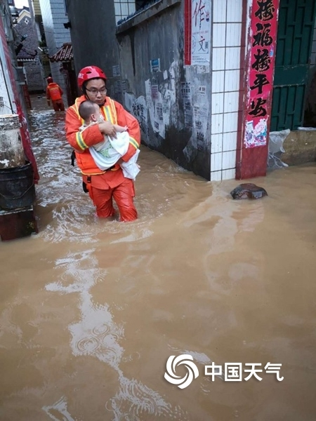 新一轮强降雨致江西33万人受灾 今天局地暴雨将持续