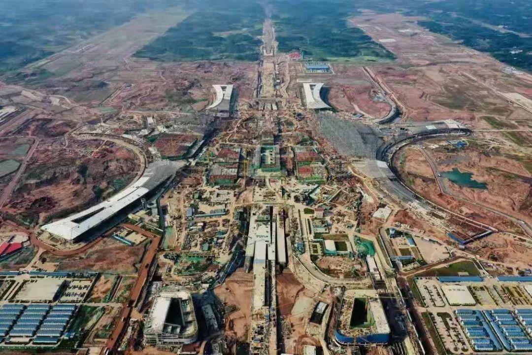 """成都机场""""两场一体""""建设三高国际航空枢纽"""