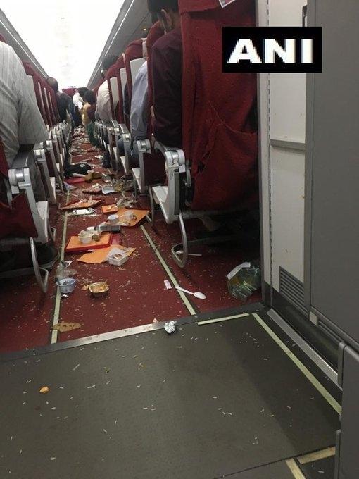 印航两客机遇气流飞机厕所被震坏机组人员受伤