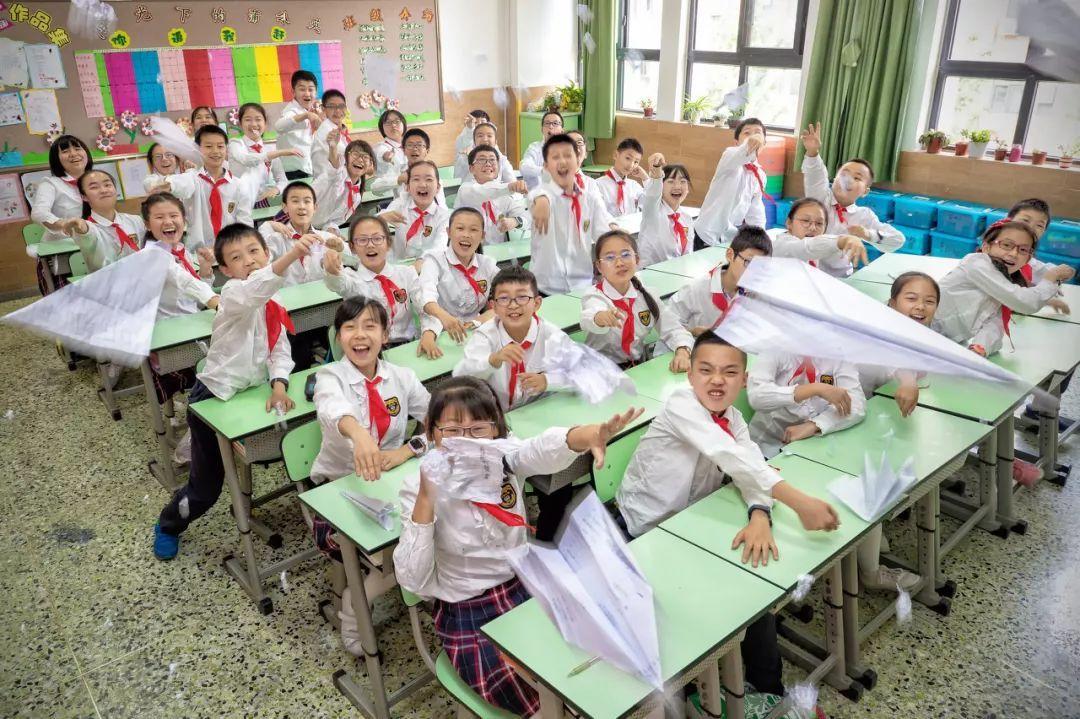 """一线城市师资力量PK:北京市1著名教职工负担7.7其间学生,深圳市""""浪费""""赶上"""