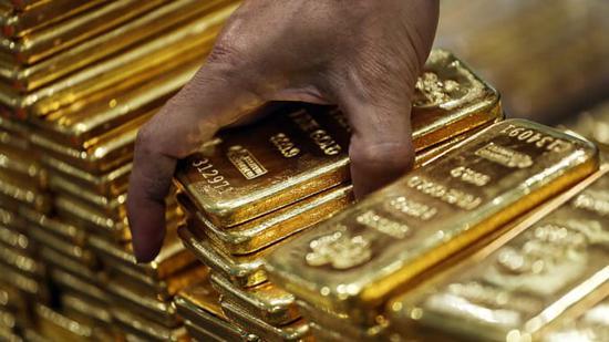 市场乐观情绪再起 黄金价格小幅下跌