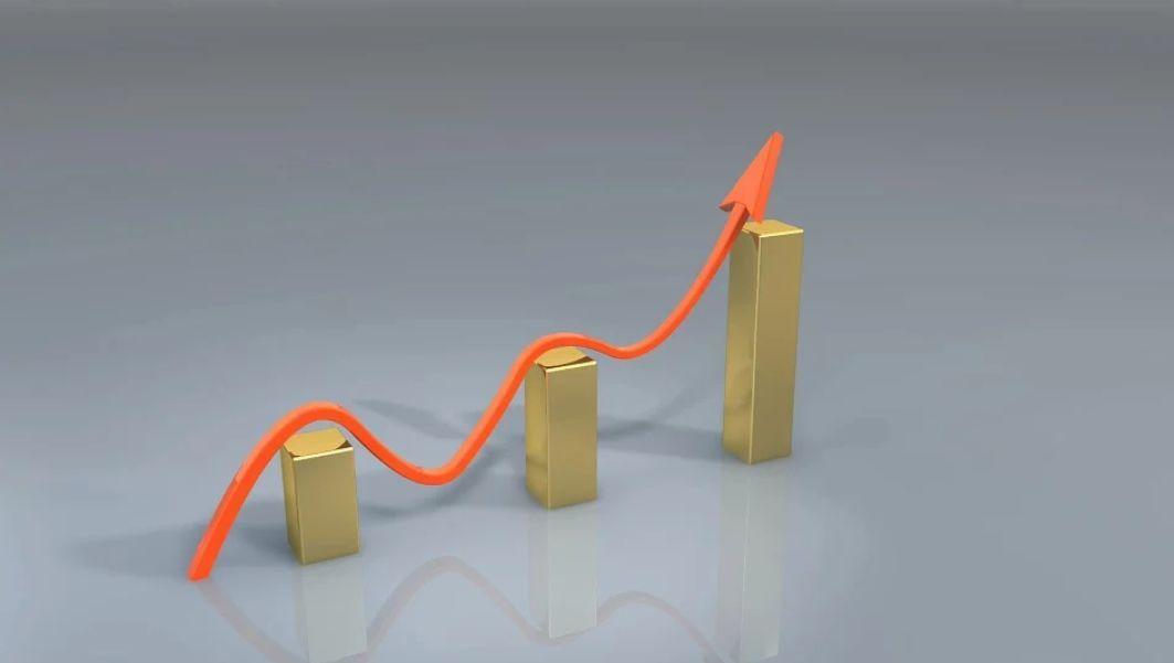 大连期货开户贵金属当前有三重底,这三重底保证了贵金属价格很难下调
