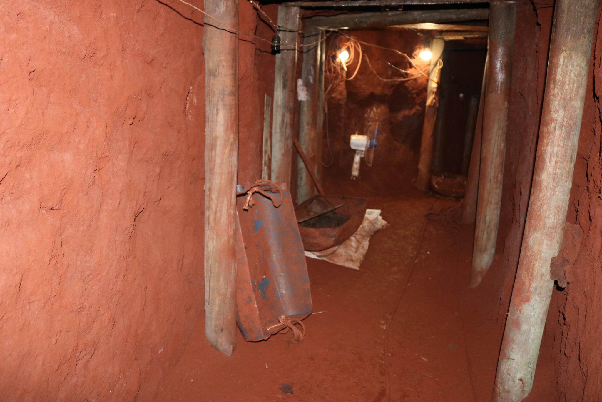 劫匪挖隧道欲抢银行 巴西警方乐成破案