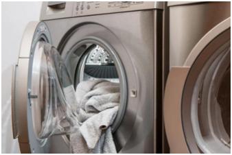 其实,对于健康的人来说,混洗衣物并没有什么大问题。