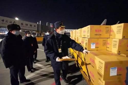 新一批防护物资经广州海关验放,快速发去广州南沙疫情防控一线