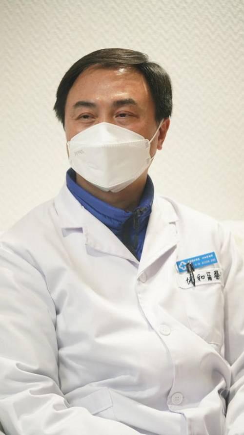 刘本德接受封面新闻记者专访