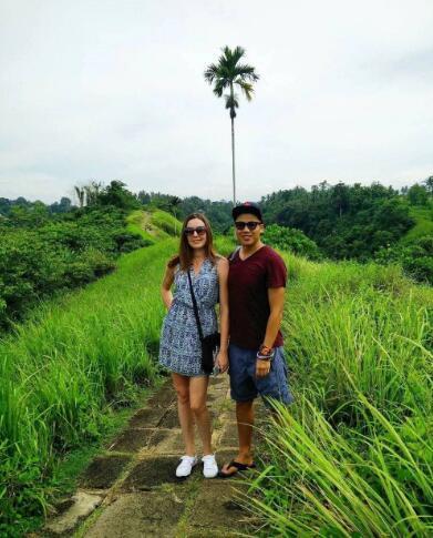 Jarod和妻子在巴厘岛