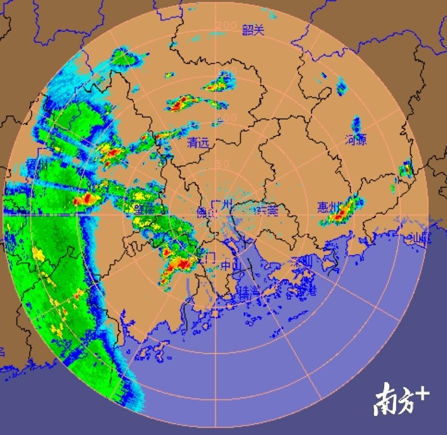 @广州人:今夜起将有大暴雨,伴有雷电和7级大风