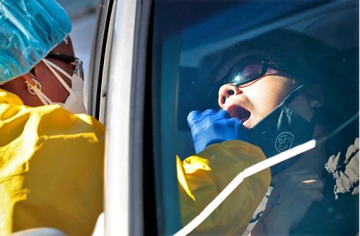 """特朗普说""""疫情接近尾声""""一周后,全美单日新增近4万,多州新增病例再创纪录,重启计划面临变数"""