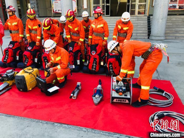 新疆霍城县发生5.0级地震 消防部门已紧急赶赴现场