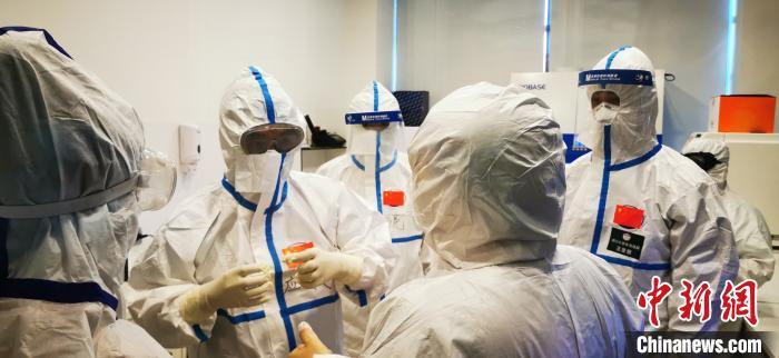 中国援阿塞拜疆医疗专家组在巴库分享中国抗疫经验
