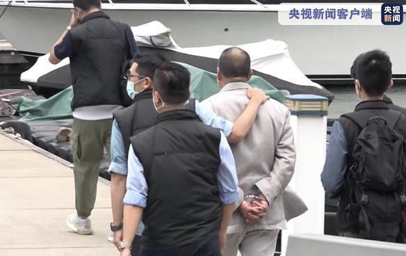 黎智英今日继续被香港警方押往西贡游艇会搜证调查