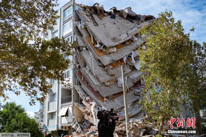 外媒:爱琴海海域地震已致土耳其100人遇难
