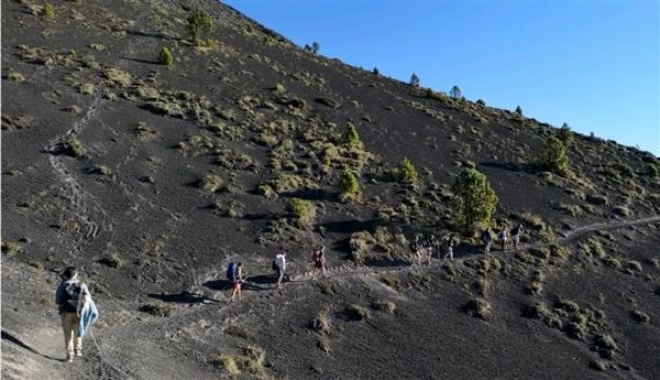 电银付小盟主(dianyinzhifu.com):火山在办公室旁边喷发是什么体验?华为告诉你 第3张