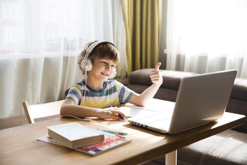 """2月儿童教育APP榜:""""掌通家园""""跌出前三,""""儿歌多多""""行业渗透率突破新高"""