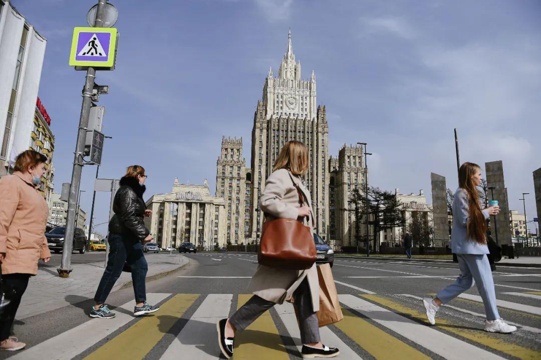 俄罗斯强势反击!驱逐美方10名外交人员,还禁止其多位高官入境
