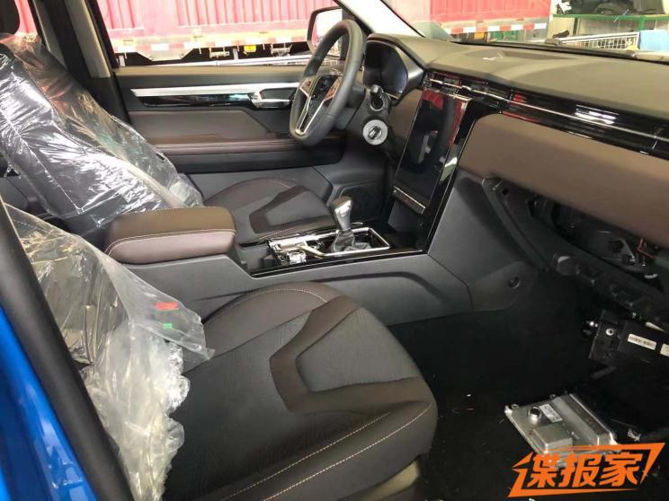 更多选择 曝江淮T8 PRO自动挡车型谍照